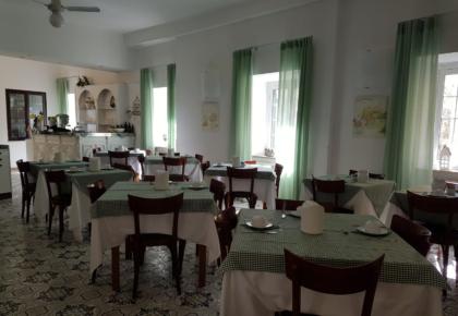 albergo alle vecchie mura finalborgo sala colazioni
