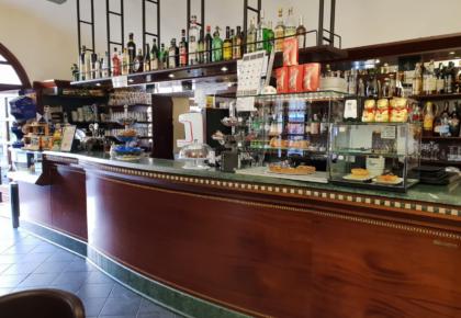 il bar centrale di finalborgo
