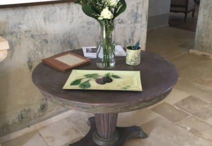 Muro con tavolo Barbara Valli Superfici Creative Finalborgo